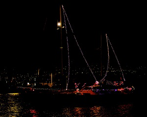 echappee amel maramu lighted yacht parade 2013
